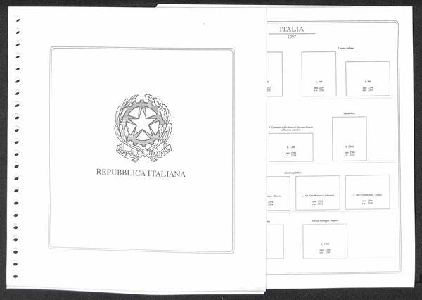MATERIALE FILATELICO - Pagine Abafil 22 fori - REPUBBLICA lunario filatelico dal 1997 al 1999 completi con taschine - ottime condizioni
