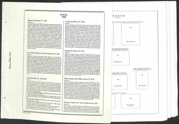 MATERIALE FILATELICO - Pagine Marini 22 fori - REPUBBLICA con almanacco filatelico dal 1988 al 1992 completi con taschine - ottime condizioni